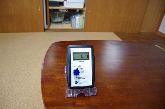 室内磁場の測定例