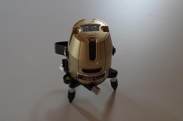 ふくろう不動産が使用しているレーザー墨出し器