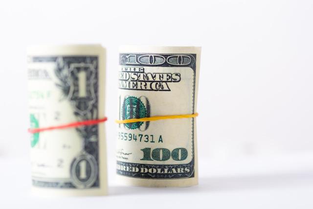 紙幣を輪ゴム留め
