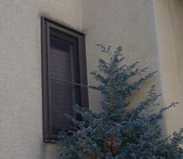 L字の内側に窓4