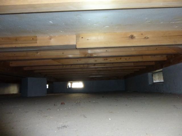 点検口から見えない床下部分
