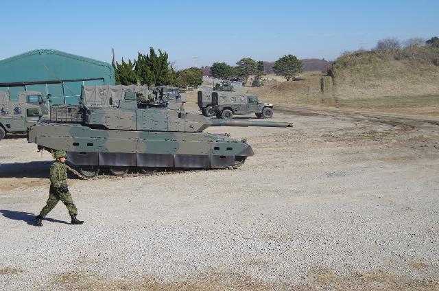 前を下げた戦車
