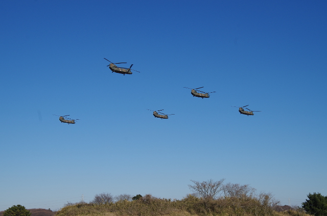 5機のヘリ