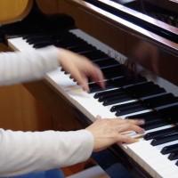 ピアノ演奏中